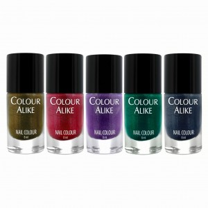 "679 - 683 ""Holo & Fashion"" nail polish set"